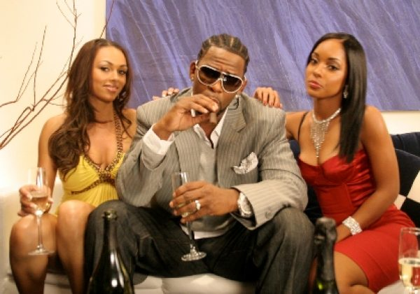 R Kelly Is Accused Of Starting A Sex Cult Amp Holding Girls Against Their Will